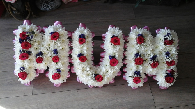Mum mummy mom mother funeral flowers letters florist Bristol FNL1
