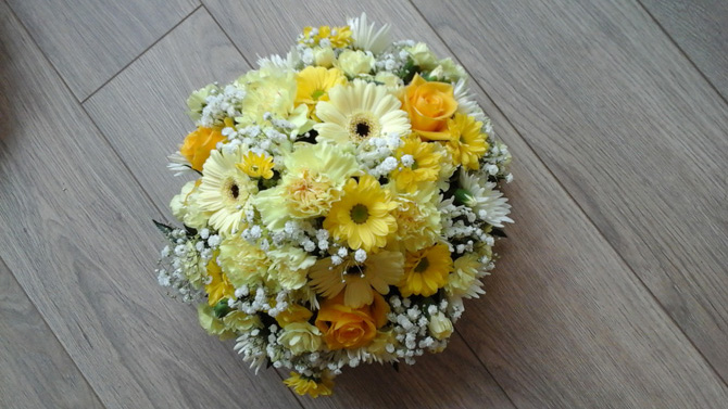 Funeral flowers posy white and yellow florist Bristol FPO2