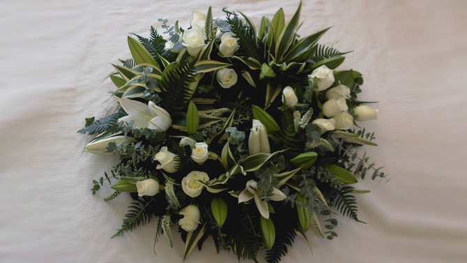 Funeral wreath green white florist north Bristol florist FW1